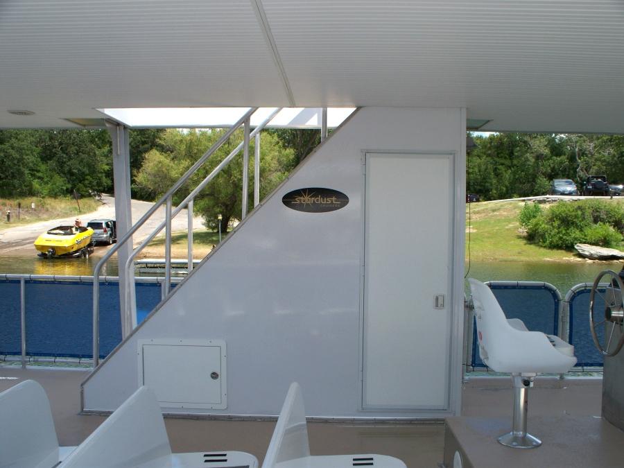Party Boat Houseboat Refurbishing
