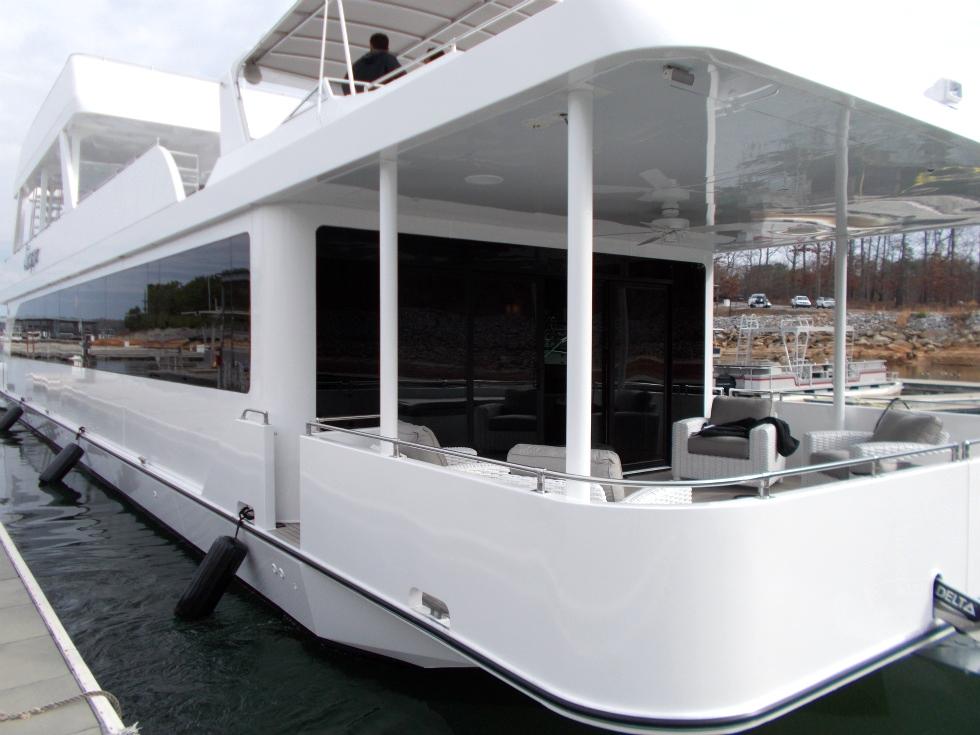 Houseboat | Escape Houseboat Refurbishing