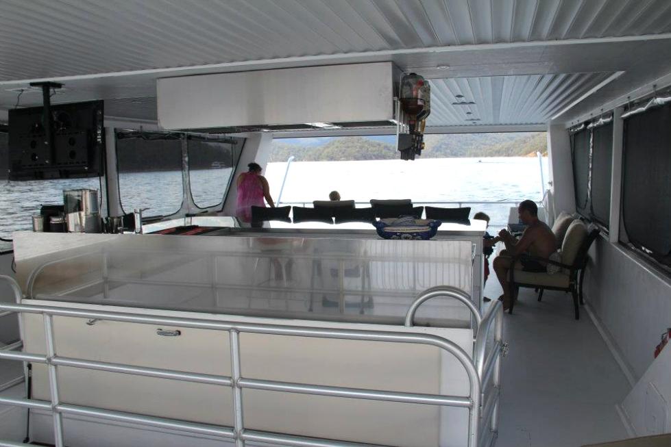 Austrailian Boats Houseboat Refurbishing