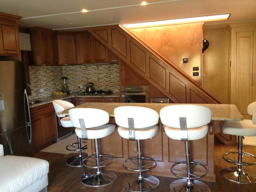 Austrailian Boats Houseboat Refurbishing