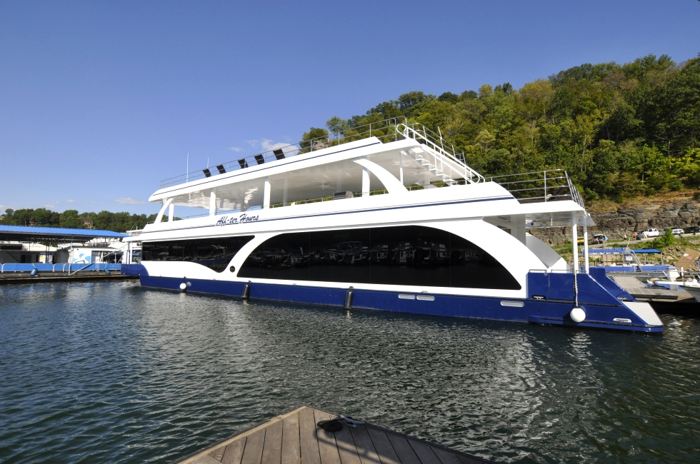 Custom Aluminum Hull  Houseboat Refurbishing