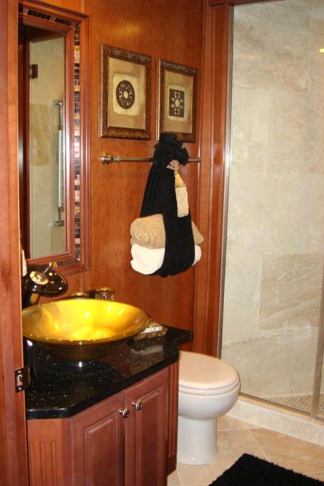 Custom Baths for Stardust Houseboats Houseboat Refurbishing