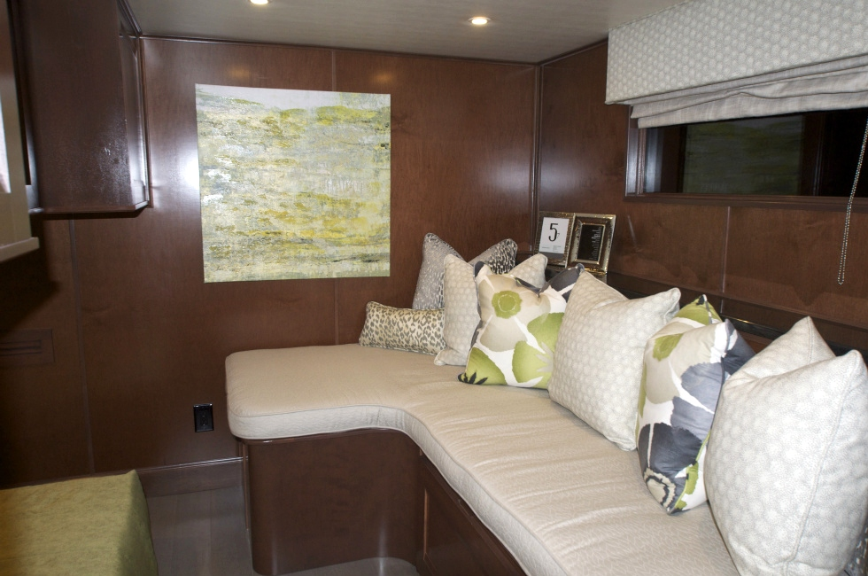 Houseboat Interiors: M10086 Houseboat Refurbishing